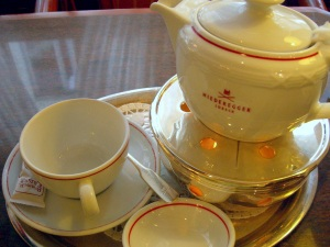 Niederegger tea set